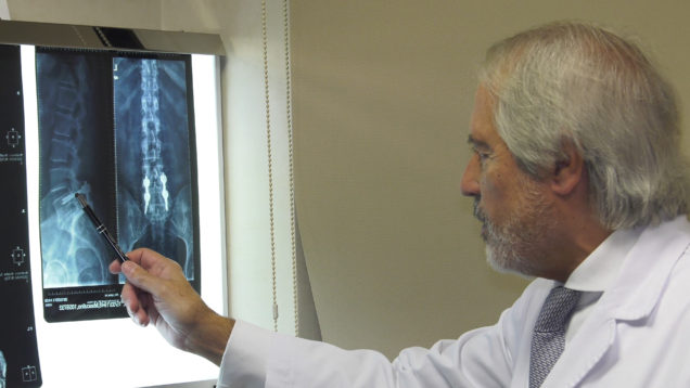 Tornillos Transpediculares – Excelencia Medica TV
